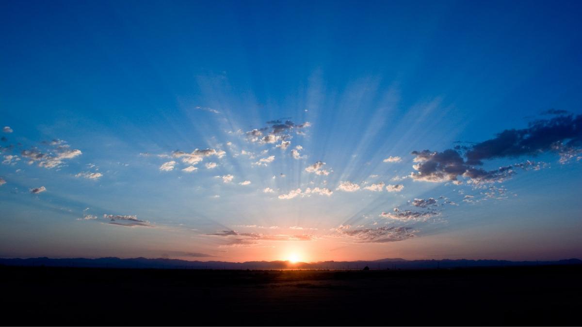 地平線からの日の出